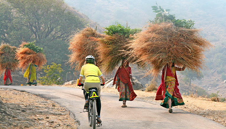 Bini-india-biking